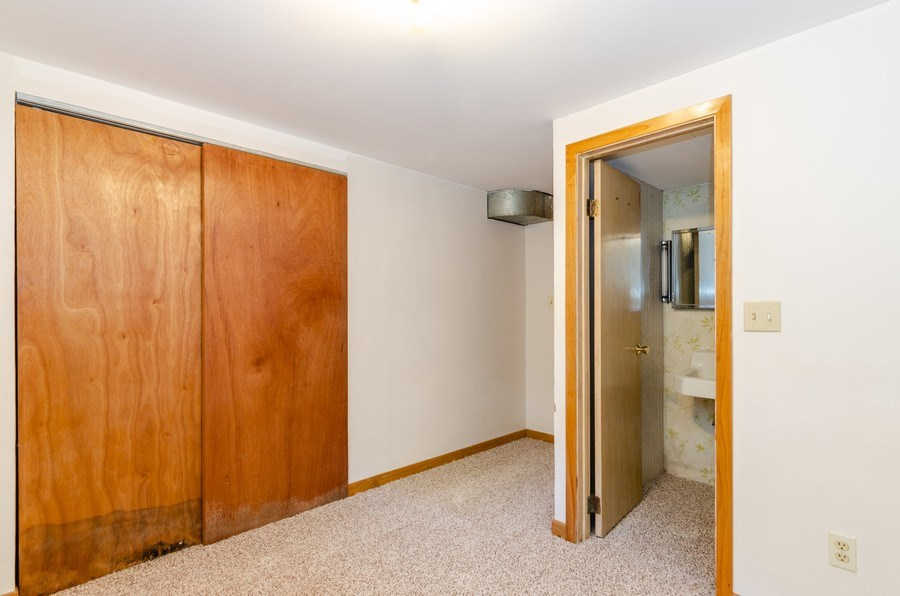 Real Estate Photography - 155 Hickory Dr, Crystal Lake, IL, 60014 -
