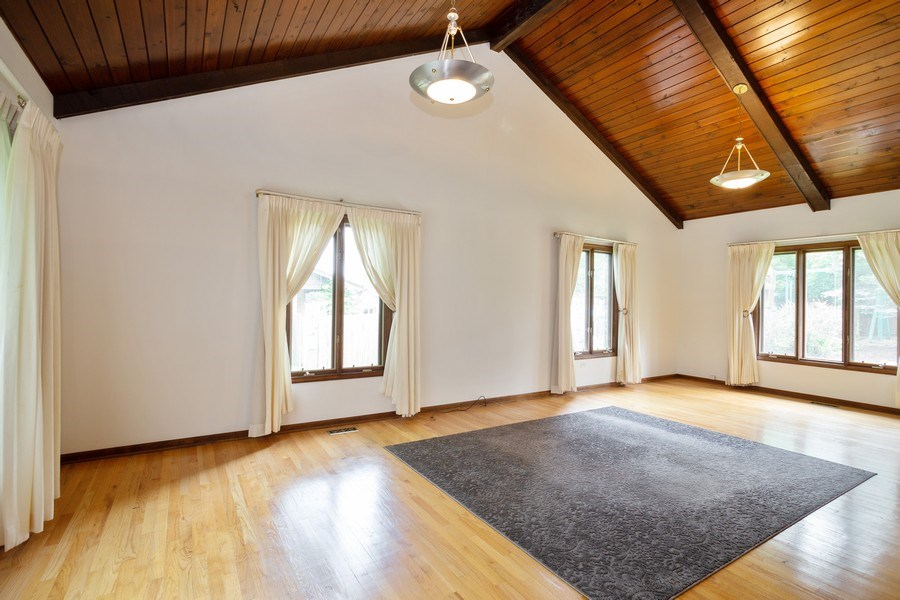 Real Estate Photography - 925 N. Franklin Avenue, Palatine, IL, 60067 - Living Room