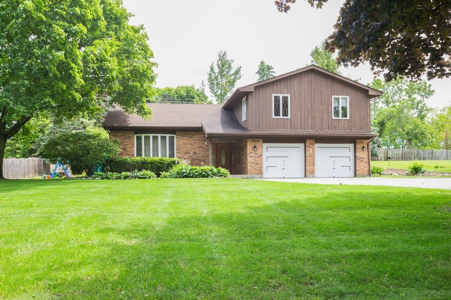 Real Estate Photography - 925 N. Franklin Avenue, Palatine, IL, 60067 - Front View