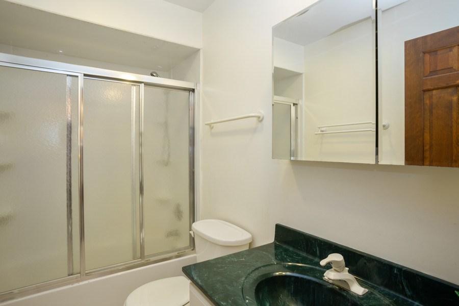 Real Estate Photography - 925 N. Franklin Avenue, Palatine, IL, 60067 - Bathroom