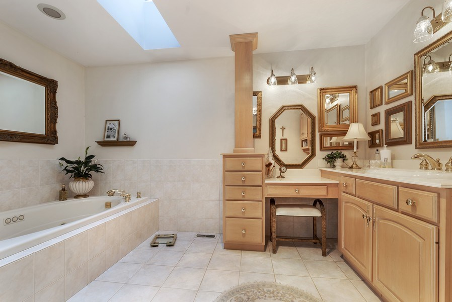 Real Estate Photography - 6705 Lexington Trail, Crystal Lake, IL, 60012 - Master Bathroom