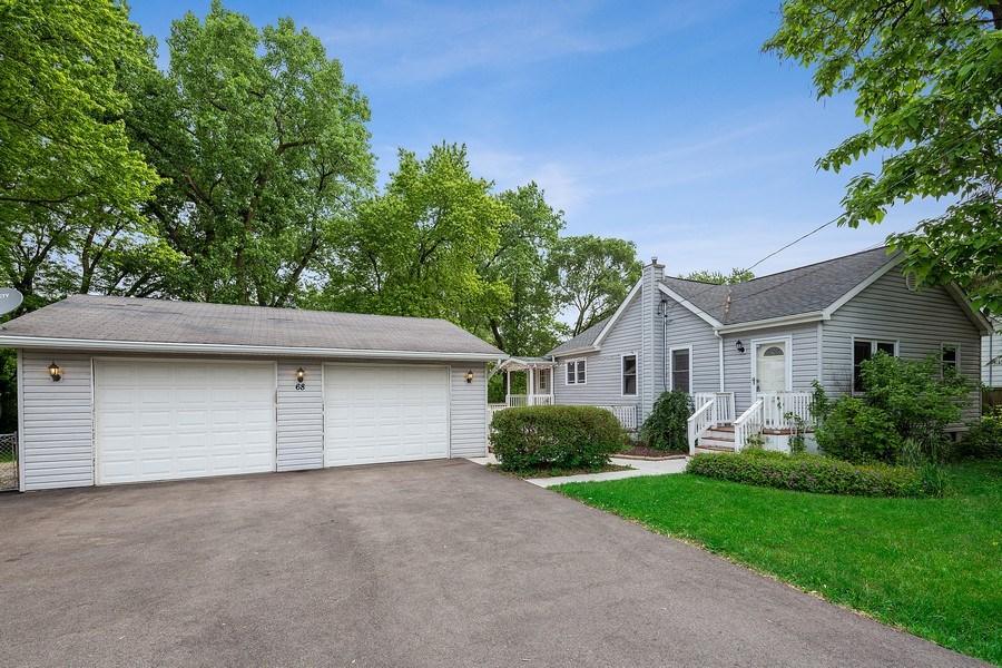Real Estate Photography - 68 S. Circle Avenue, Port Barrington, IL, 60010 - Front View