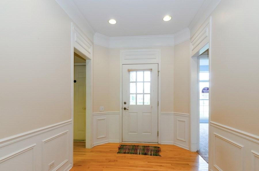 Real Estate Photography - 4201 Whitehall Lane, Algonquin, IL, 60102 - Foyer