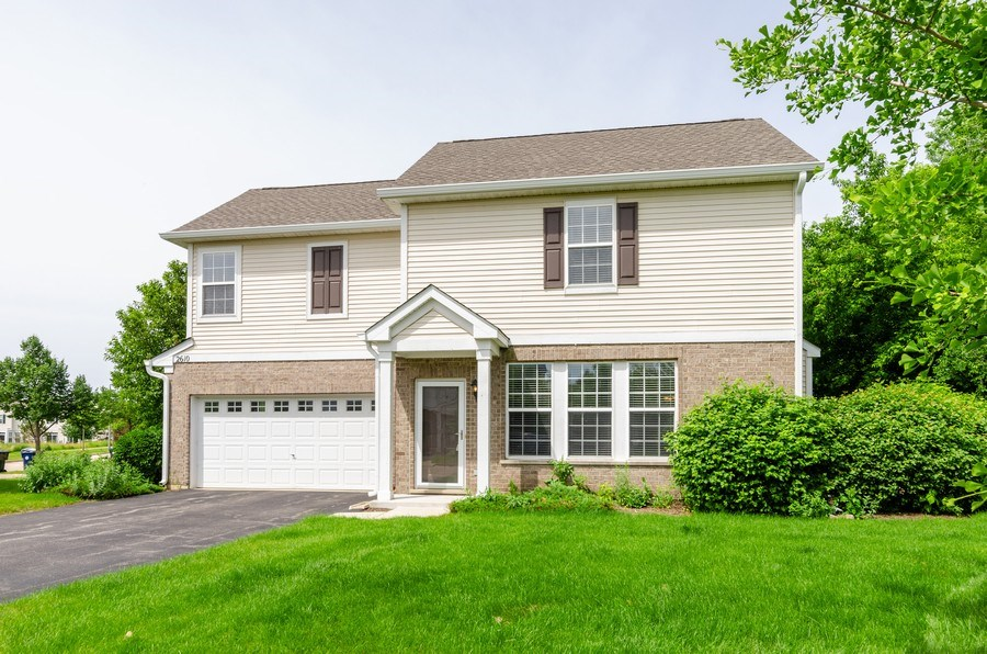 Real Estate Photography - 2610 Williamsburg Dr, Algonquin, IL, 60102 - Front View