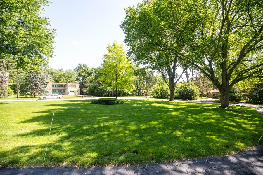 Real Estate Photography - 1501 Central Pkwy, Glenview, IL, 60025 - Front View