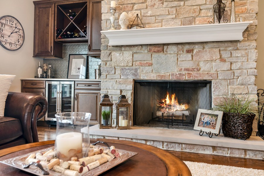 Real Estate Photography - 1001 Kingsmill Dr., Algonquin, IL, 60102 - Family Room