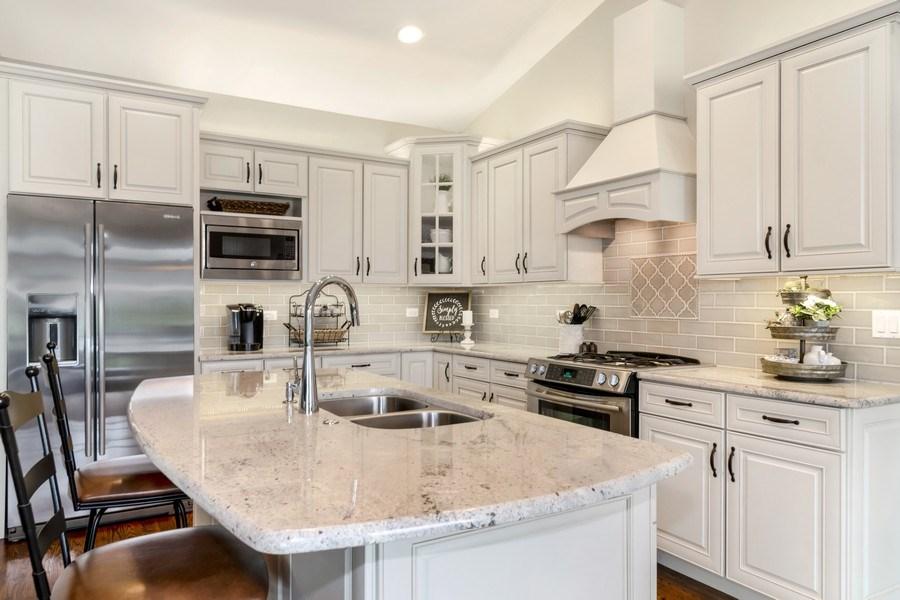 Real Estate Photography - 1001 Kingsmill Dr., Algonquin, IL, 60102 - Kitchen