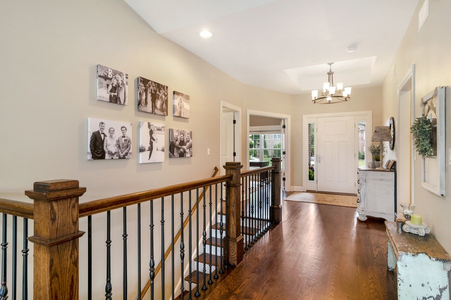 Real Estate Photography - 1001 Kingsmill Dr., Algonquin, IL, 60102 - Entryway