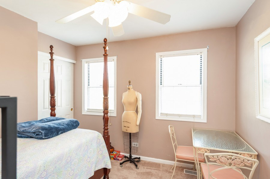 Real Estate Photography - 1266 Berkshire Lane, Barrington, IL, 60010 - 2nd Bedroom