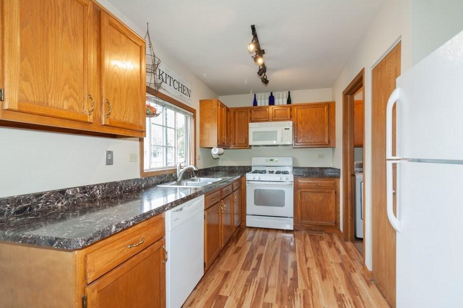 Real Estate Photography - 2766 Leyland Ln., Aurora, IL, 60504 - Kitchen
