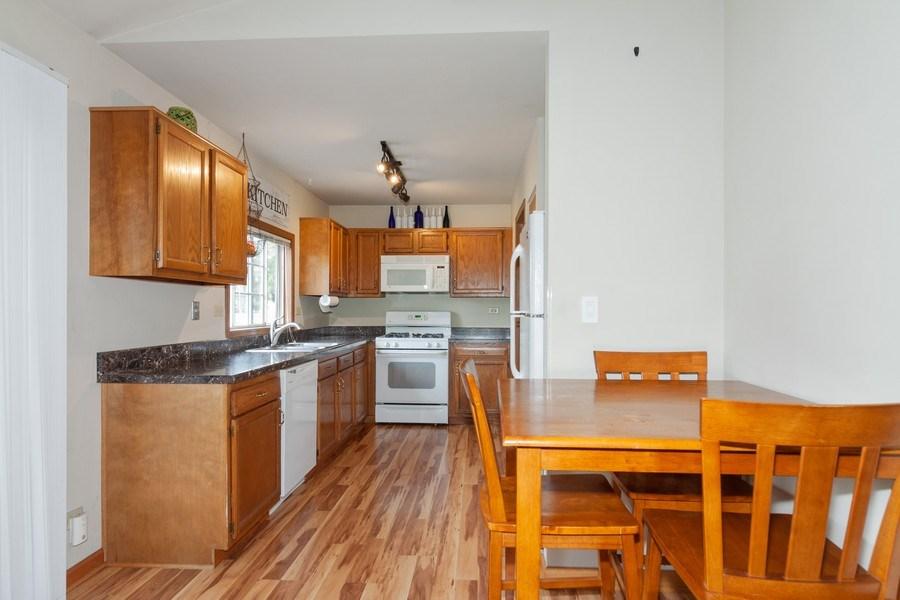 Real Estate Photography - 2766 Leyland Ln., Aurora, IL, 60504 - Kitchen / Breakfast Room