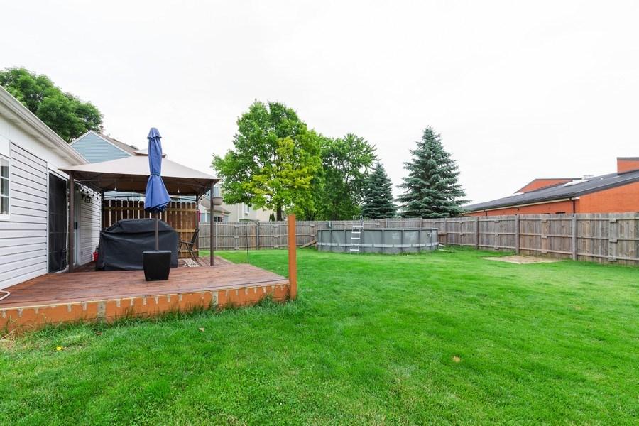 Real Estate Photography - 2766 Leyland Ln., Aurora, IL, 60504 - Back Yard