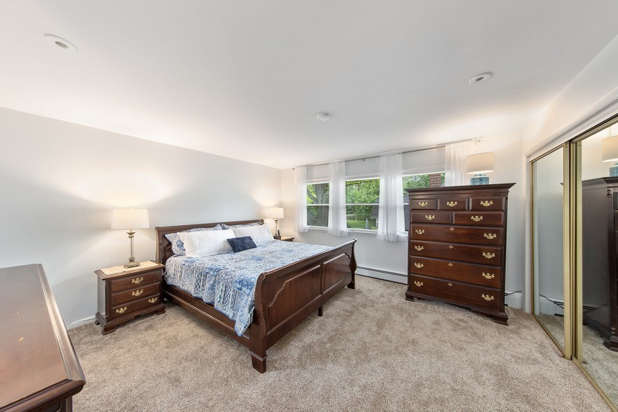 Real Estate Photography - 904 W George St, Arlington Heights, IL, 60005 - Master Bedroom
