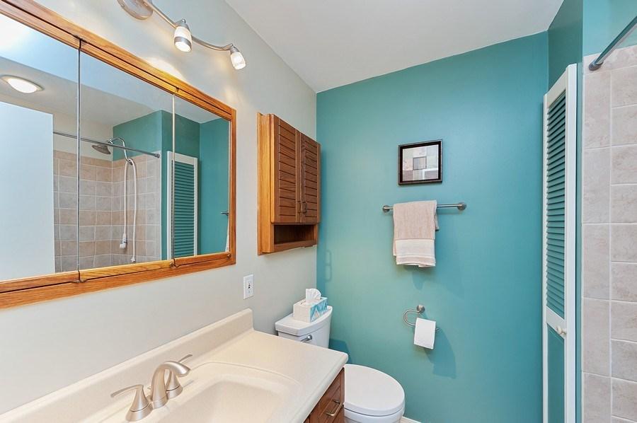 Real Estate Photography - 735 Concord, Algonquin, IL, 60102 - 2nd Bathroom