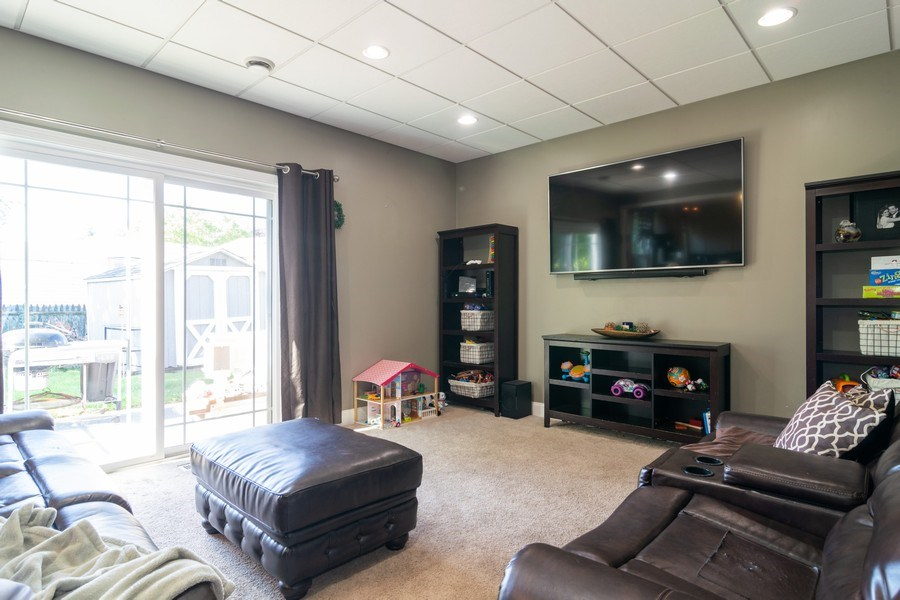 Real Estate Photography - 412 Chippendale Dr., Bartlett, IL, 60103 - Family Room
