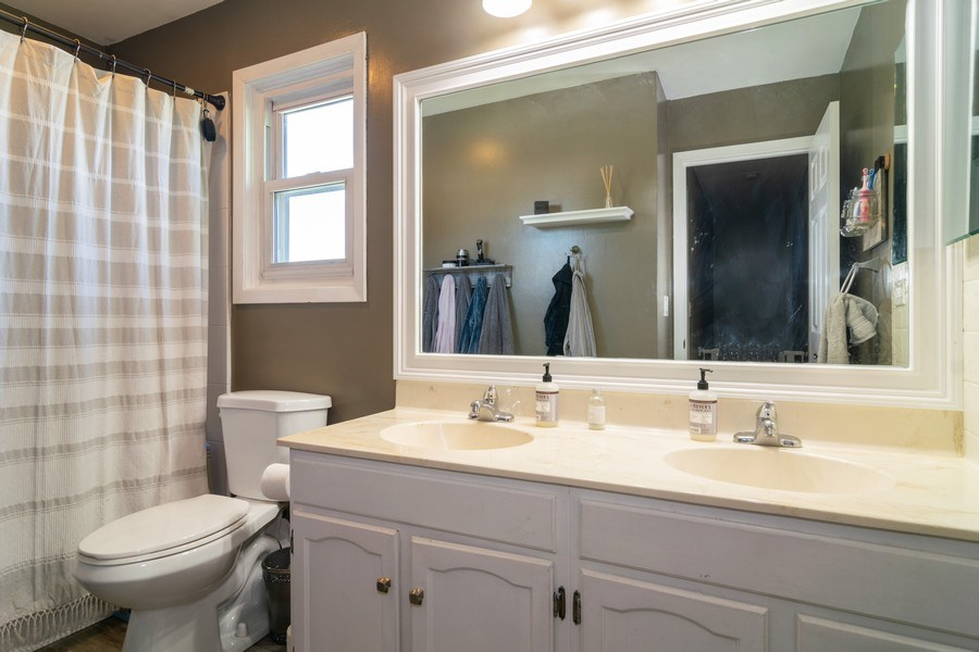 Real Estate Photography - 412 Chippendale Dr., Bartlett, IL, 60103 - Bathroom