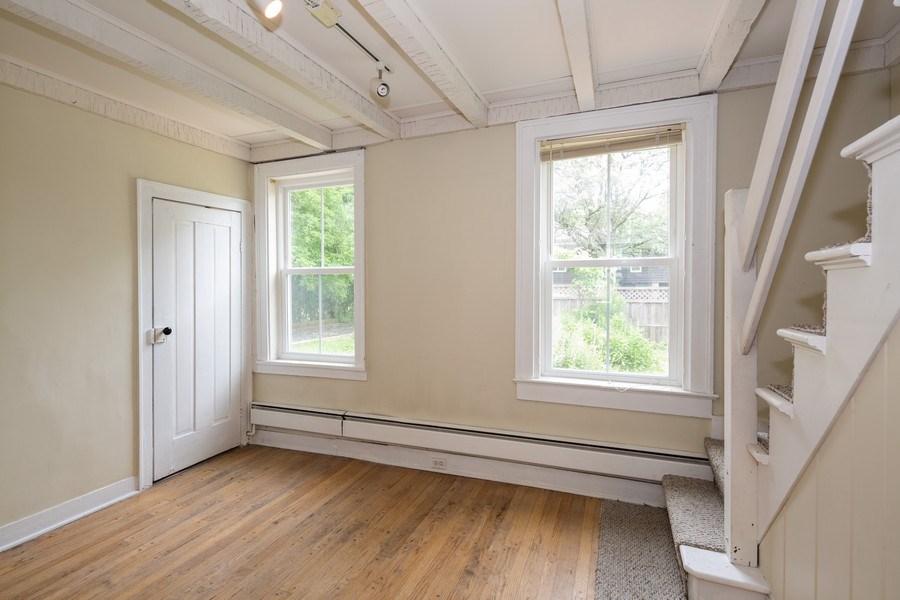 Real Estate Photography - 304 W. Calhoun, Woodstock, IL, 60098 - 1st Floor Office 11' x 8'