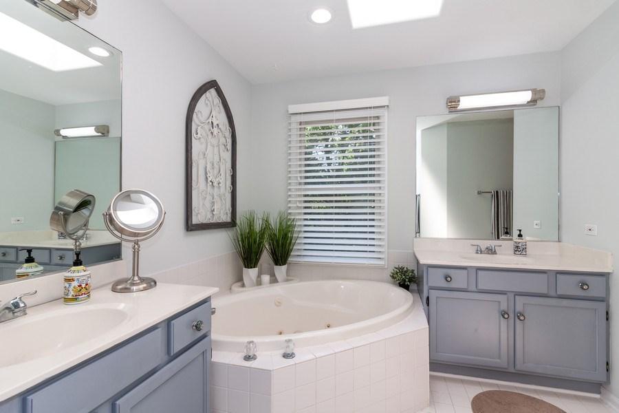 Real Estate Photography - 200 ARQUILLA LN, ALGONQUIN, IL, 60102 - Master Bathroom