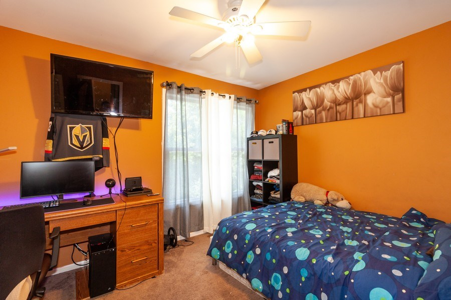 Real Estate Photography - 200 ARQUILLA LN, ALGONQUIN, IL, 60102 - 2nd Bedroom