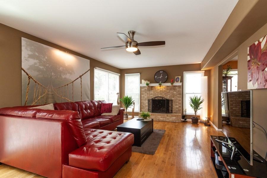 Real Estate Photography - 200 ARQUILLA LN, ALGONQUIN, IL, 60102 - Family Room