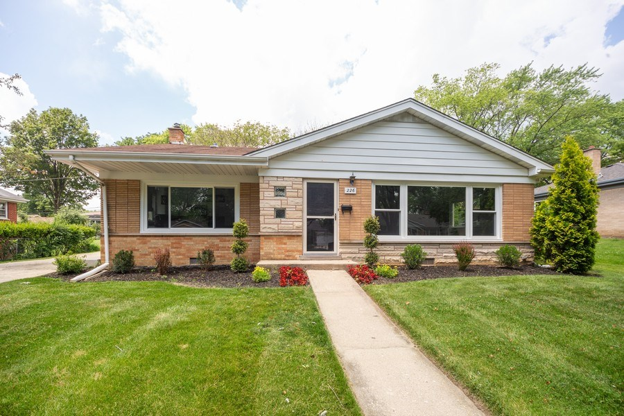 Real Estate Photography - 226 S. Princeton Ave., Arlington Hts, IL, 60005 - Front View