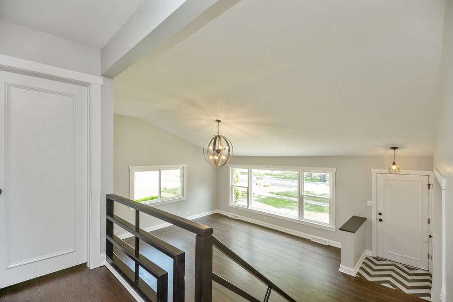 Real Estate Photography - 226 S. Princeton Ave., Arlington Hts, IL, 60005 - Hallway