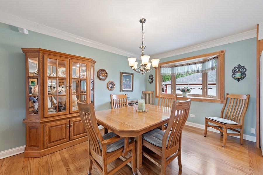 Real Estate Photography - 1425 S Robert Dr, Mount Prospect, IL, 60056 - Dining Room - 1425 S Robert Dr, Mount Prospect, IL