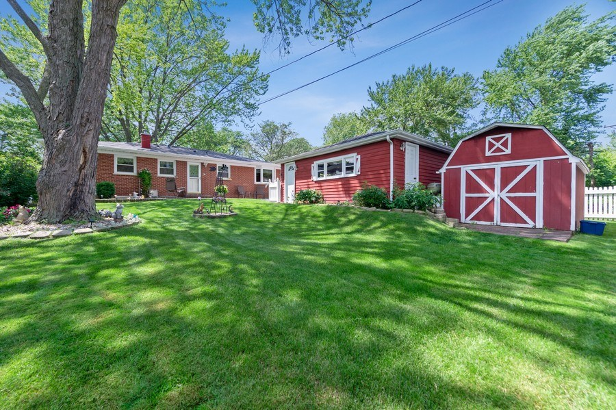 Real Estate Photography - 1425 S Robert Dr, Mount Prospect, IL, 60056 - Backyard and Workshop/Shed - 1425 S Robert Dr, Mou