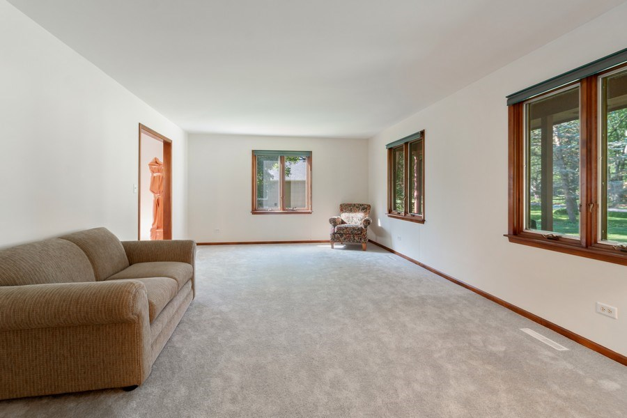 Real Estate Photography - 11615 Schuette Cir, Woodstock, IL, 60098 - Living Room