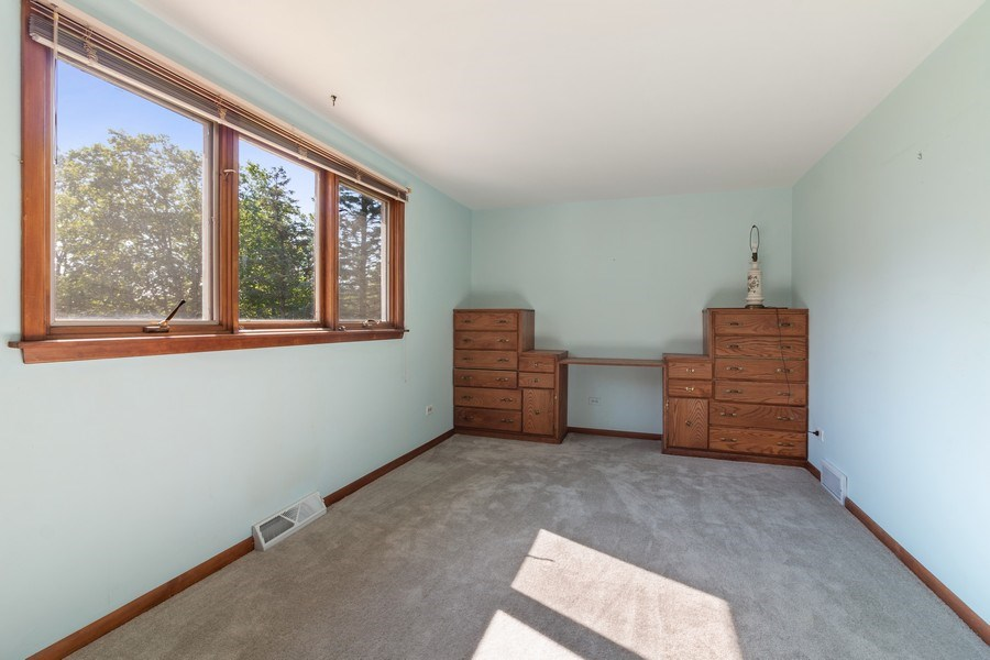 Real Estate Photography - 11615 Schuette Cir, Woodstock, IL, 60098 - 2nd Bedroom