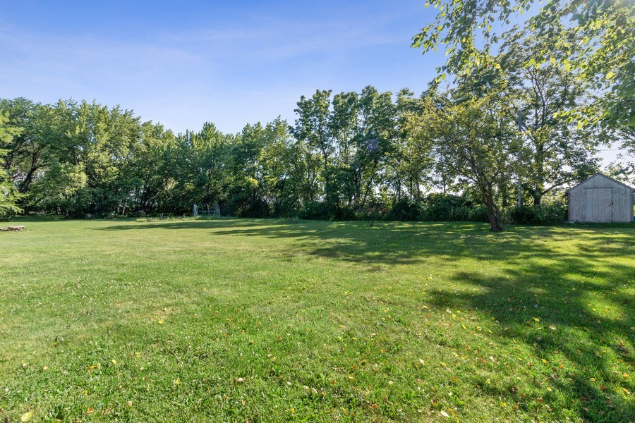 Real Estate Photography - 11615 Schuette Cir, Woodstock, IL, 60098 - Back Yard