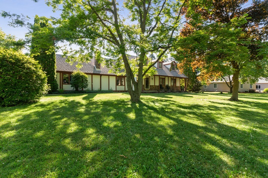 Real Estate Photography - 11615 Schuette Cir, Woodstock, IL, 60098 - Front View