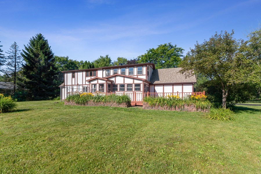 Real Estate Photography - 11615 Schuette Cir, Woodstock, IL, 60098 - Rear View