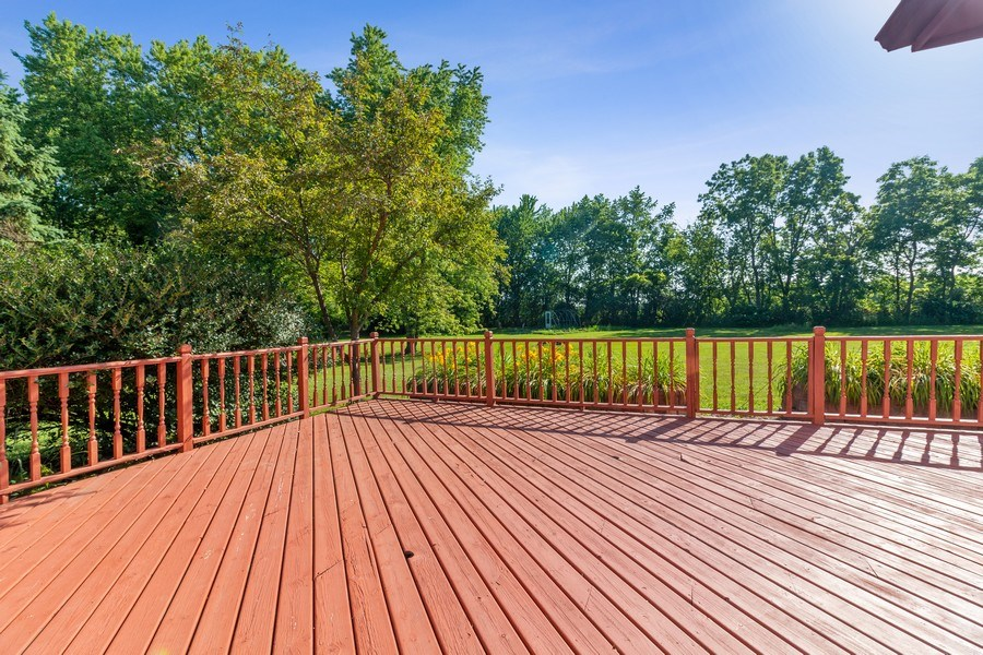 Real Estate Photography - 11615 Schuette Cir, Woodstock, IL, 60098 - Deck