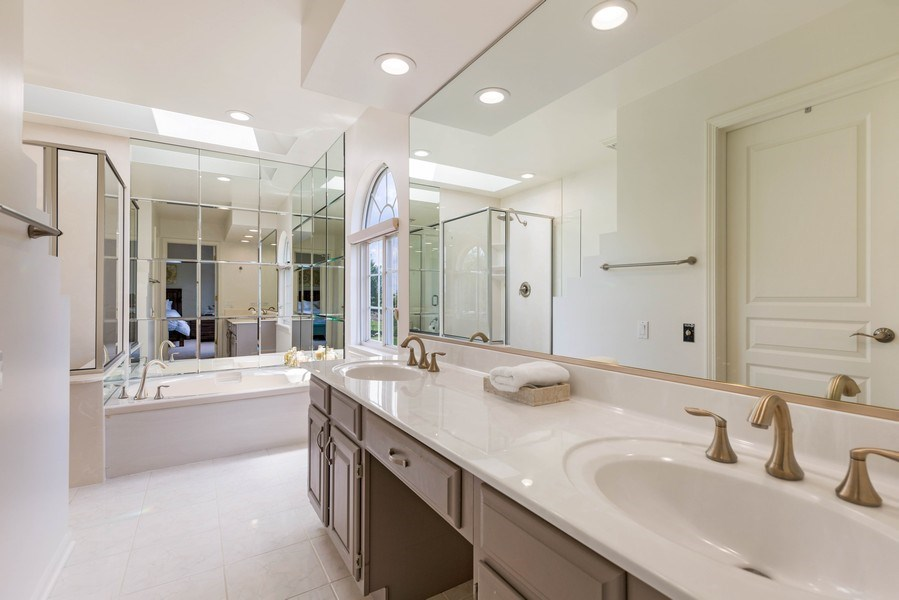Real Estate Photography - 235 Farmhill Dr, Algonquin, IL, 60102 - SEPARATE TUB & SHOWER IN MASTER BATH