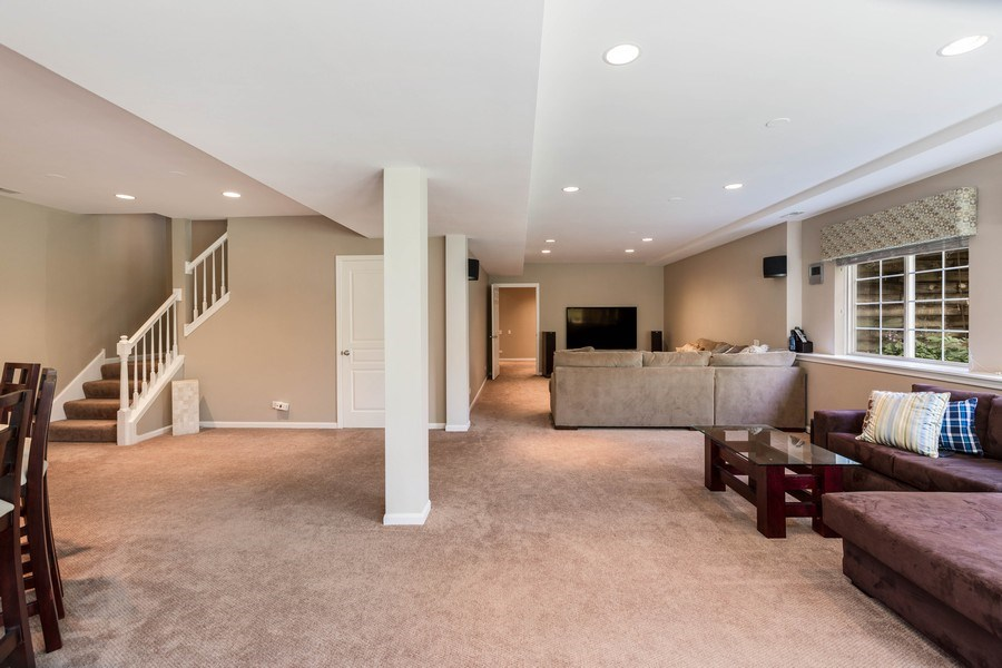 Real Estate Photography - 235 Farmhill Dr, Algonquin, IL, 60102 - GREAT SPACE FOR FAMILIES!