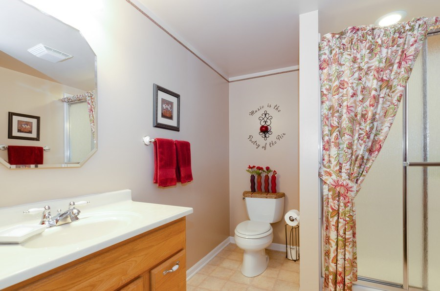Real Estate Photography - 8323 Raptor Trail, Lakewood, IL, 60014 - 2nd Bathroom