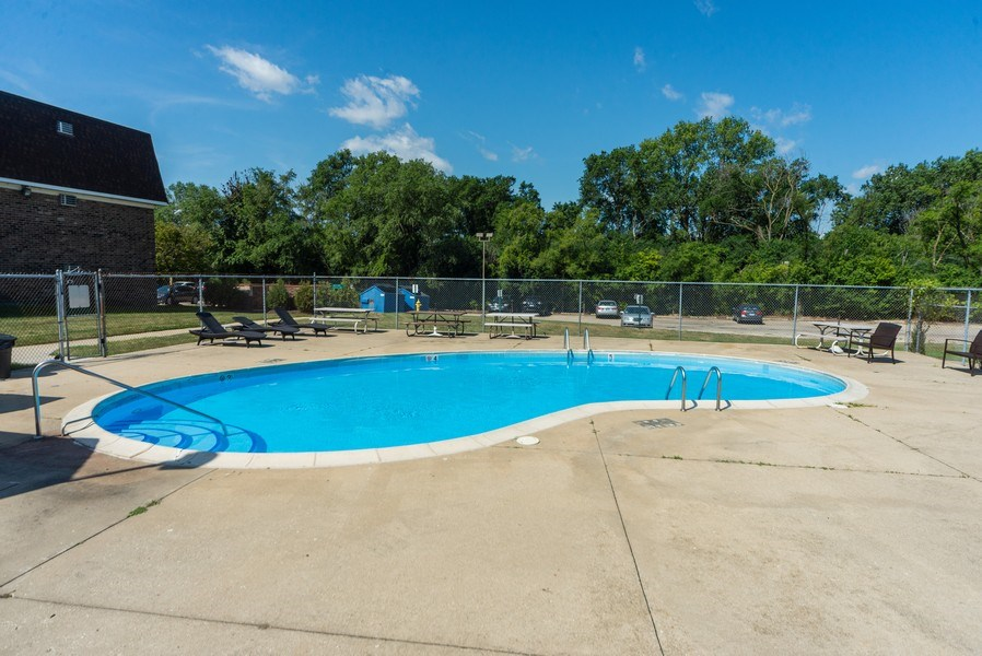 Real Estate Photography - 130 S Lalonde Ave, Addison, IL, 60101 - Pool
