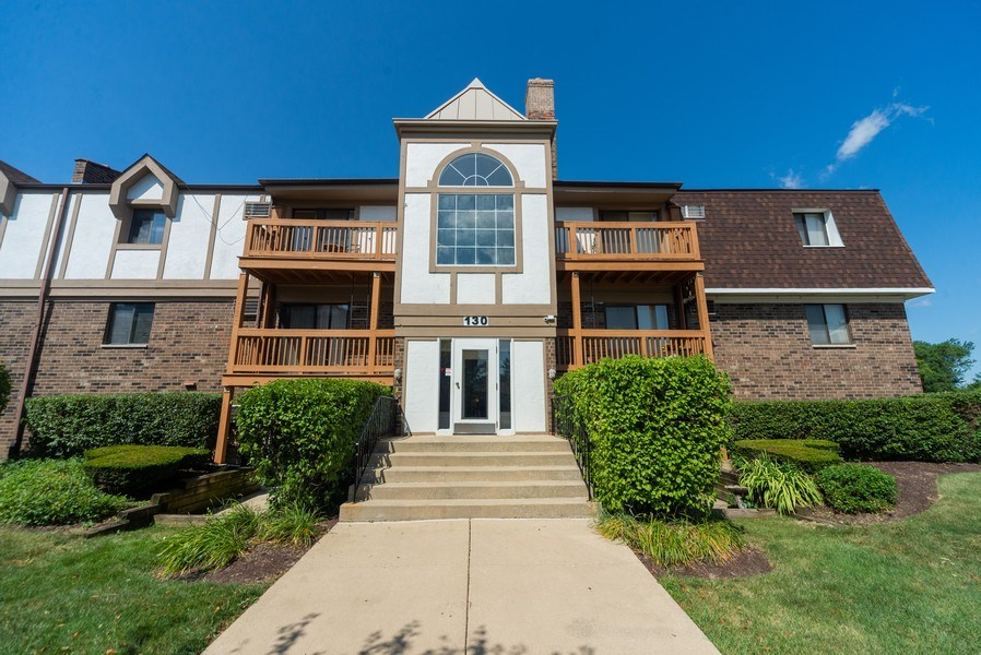 Real Estate Photography - 130 S Lalonde Ave, Addison, IL, 60101 - Front View