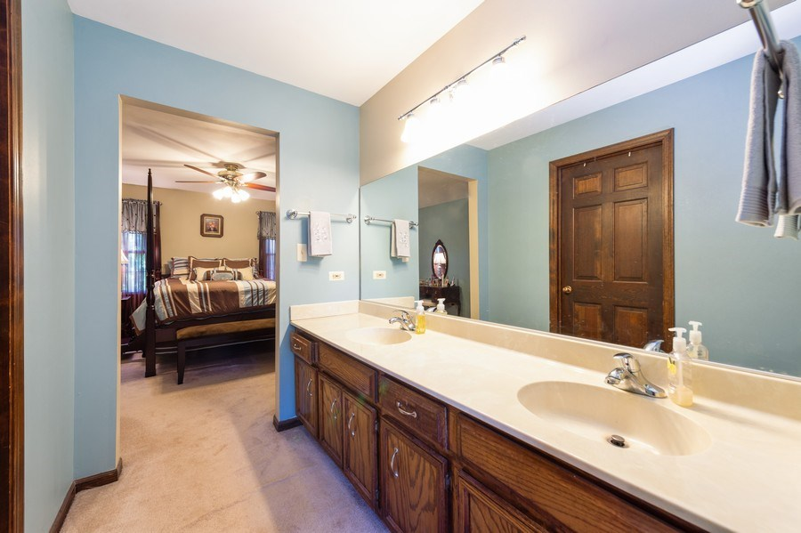Real Estate Photography - 201 Independence Ln, Bloomingdale, IL, 60108 - Master Bathroom