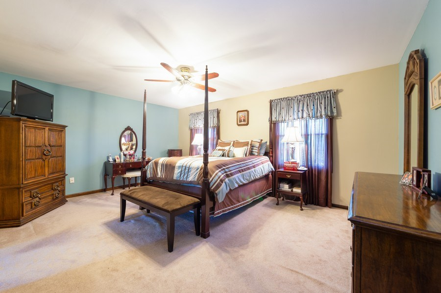 Real Estate Photography - 201 Independence Ln, Bloomingdale, IL, 60108 - Master Bedroom