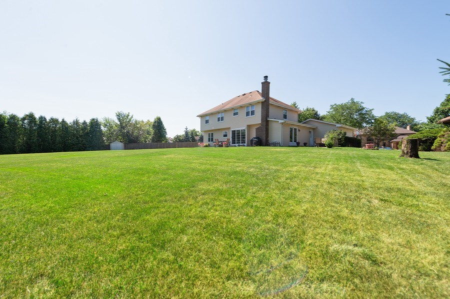 Real Estate Photography - 201 Independence Ln, Bloomingdale, IL, 60108 - Back Yard