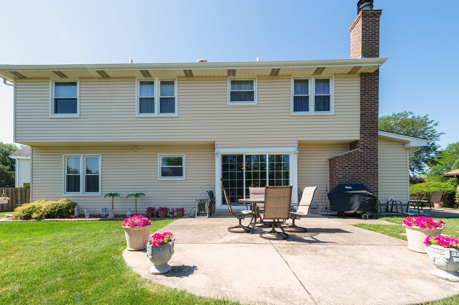 Real Estate Photography - 201 Independence Ln, Bloomingdale, IL, 60108 - Rear View