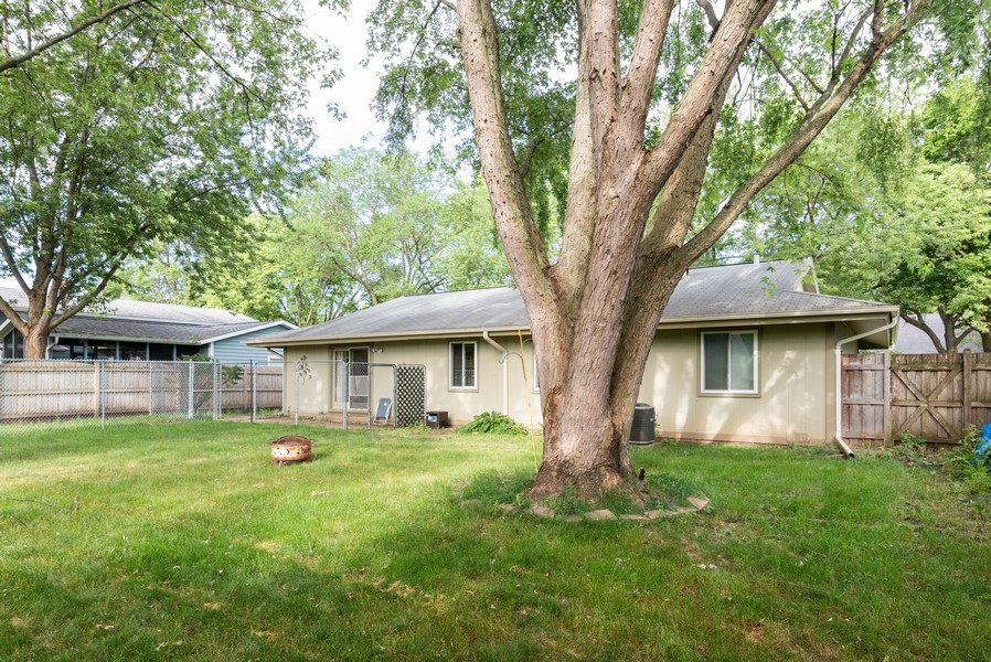 Real Estate Photography - 959 Denton Ct, Crystal Lake, IL, 60014 - Rear View