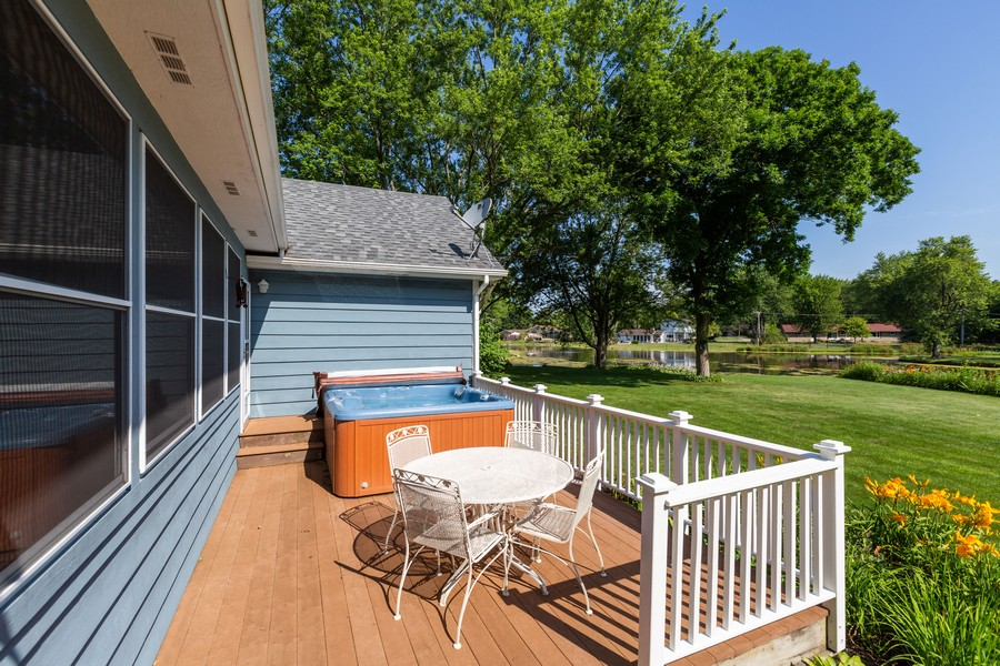 Real Estate Photography - 1033 Timothy Lane, Woodstock, IL, 60098 - Deck