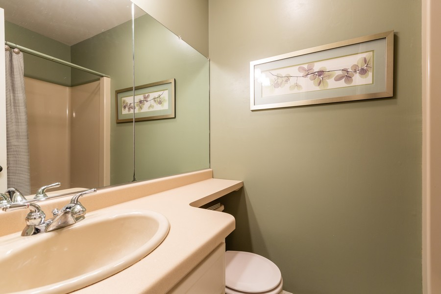 Real Estate Photography - 1033 Timothy Lane, Woodstock, IL, 60098 - 2nd Bathroom