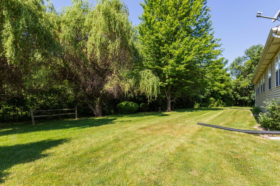 Real Estate Photography - 1170 Pond Point, Woodstock, IL, 60098 - Back Yard