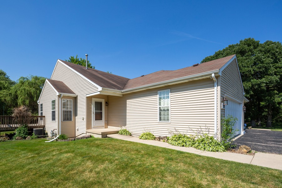 Real Estate Photography - 1170 Pond Point, Woodstock, IL, 60098 - Front View