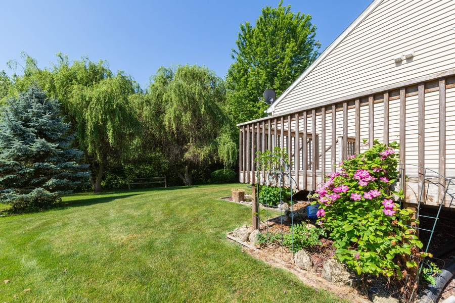 Real Estate Photography - 1170 Pond Point, Woodstock, IL, 60098 - Side View