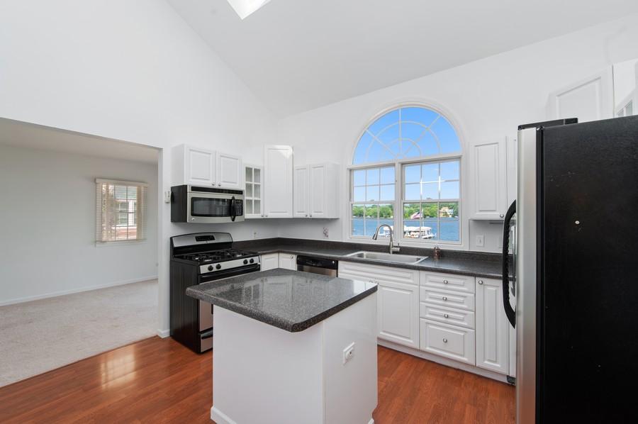 Real Estate Photography - 5102 W Lake Shore Dr, Wonder Lake, IL, 60097 - Kitchen